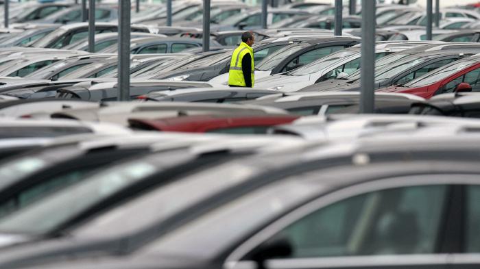 В мире кончаются бумага и автомобили: что происходит