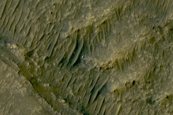 Марсоход Perseverance сфотографировали изкосмоса