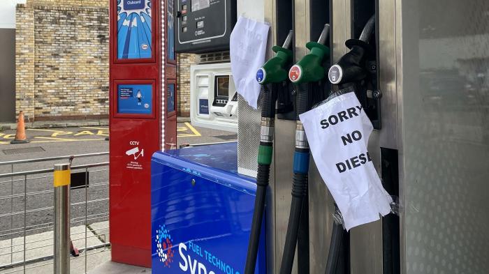 Стоимость бензина в Британии приближается к рекорду 2012 года