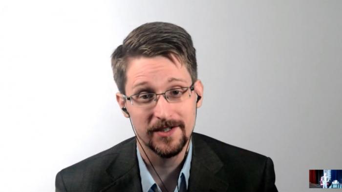 Сноуден прокомментировал масштабный сбой вработе соцсетей
