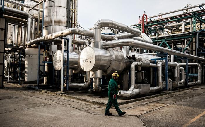 Биржевая цена на газ в Европе впервые превысила $1600