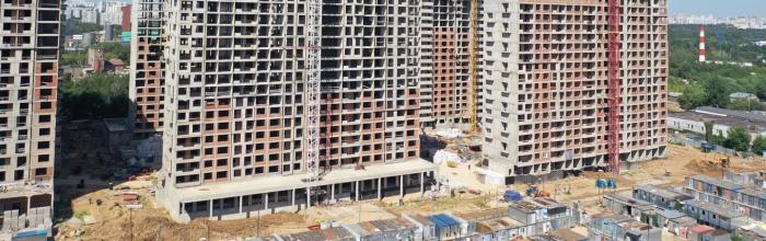 Работы по кладке стен в корпусе № 31 проблемного ЖК «Царицыно» застройщик планирует завершить в октябре