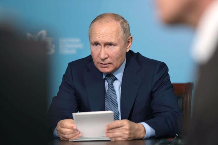 Путин призвал добиваться снижения смертности надорогах