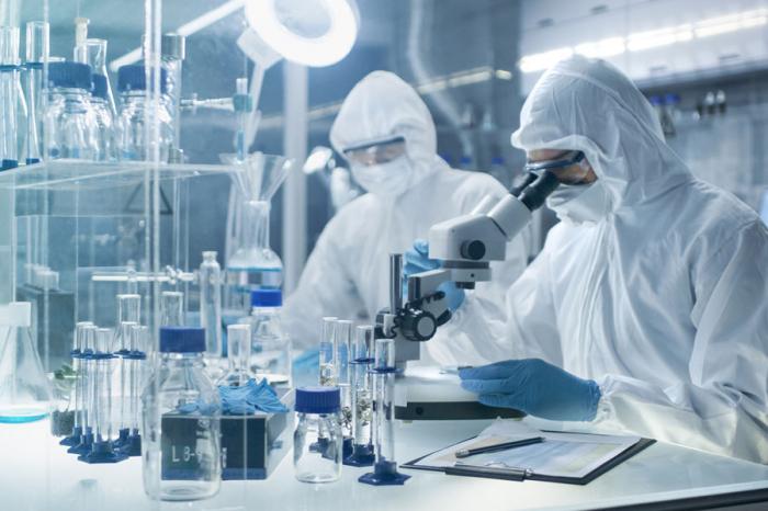 ВРоссии доконца года испытают вакцину от COVID-19со вкусом ряженки