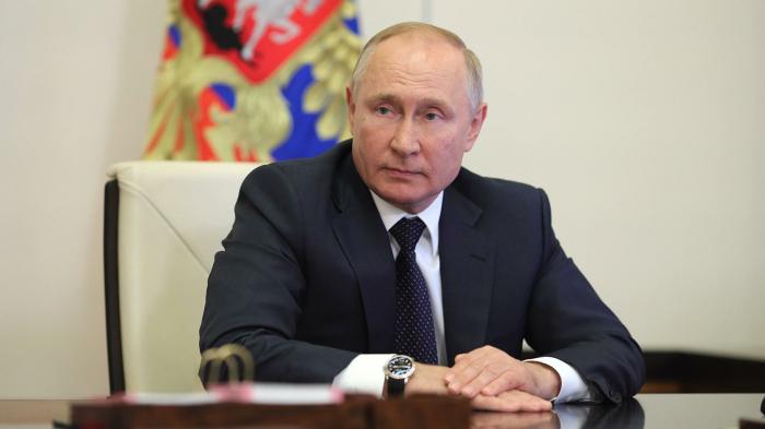 Путин поручил Минэнерго продолжить консолидацию сетей