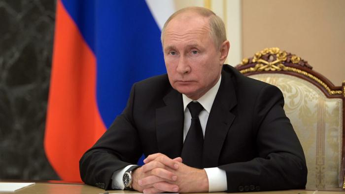 Путин призвал просчитывать все сценарии развития ТЭК