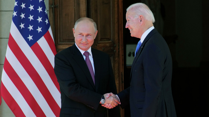 Путин сообщил, что не обсуждал с Байденом цены на нефть
